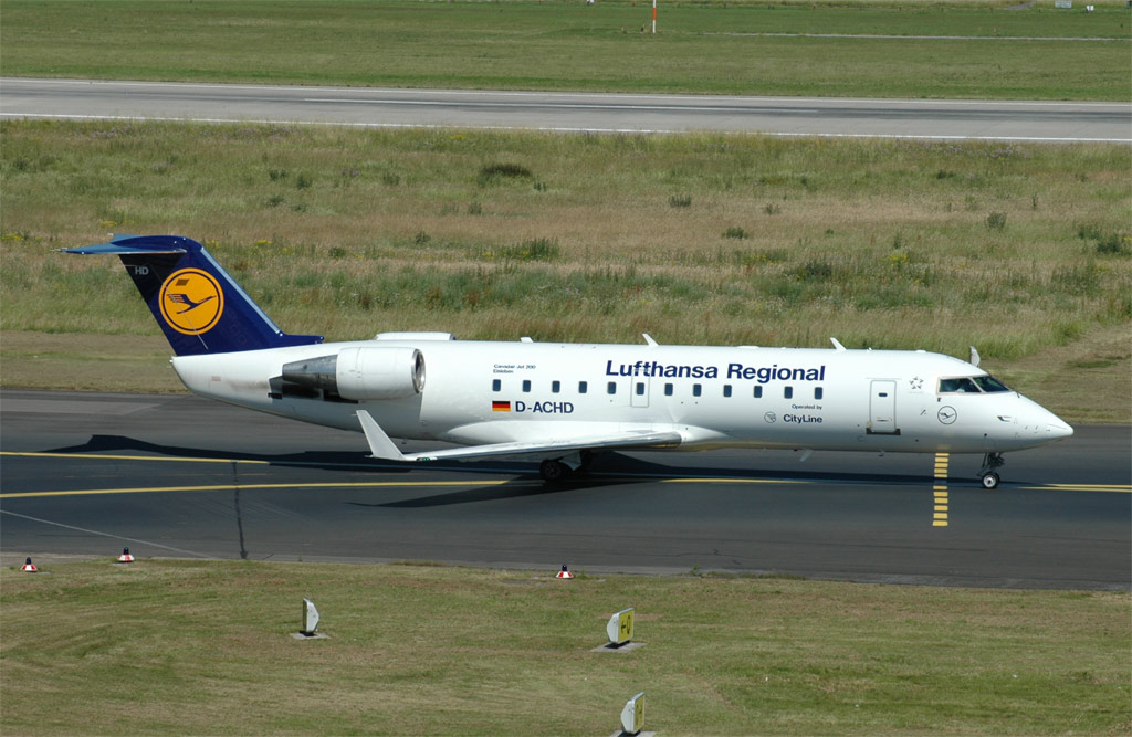 crj 200 pictures