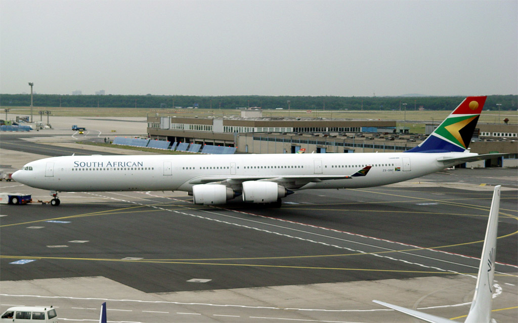 Compagnies d'aviation - Page 2 Sa-a340-6